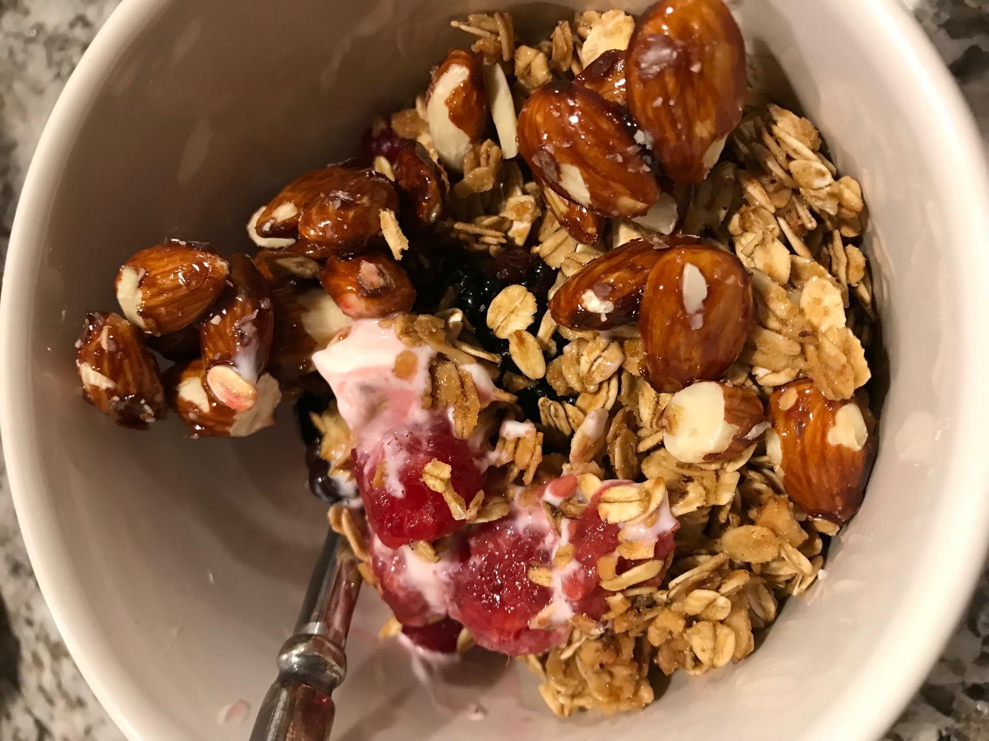 Yogurt Parfait Granola Glazed Almonds Breakfast Recipe vomFASS Mall of America
